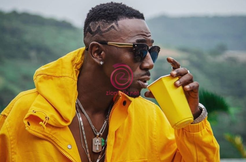 Don't Add Me To Any Of Your WhatsApp Groups, You Were Useless When We Were Even With Shatta Wale – Joint 77 To SM Fans
