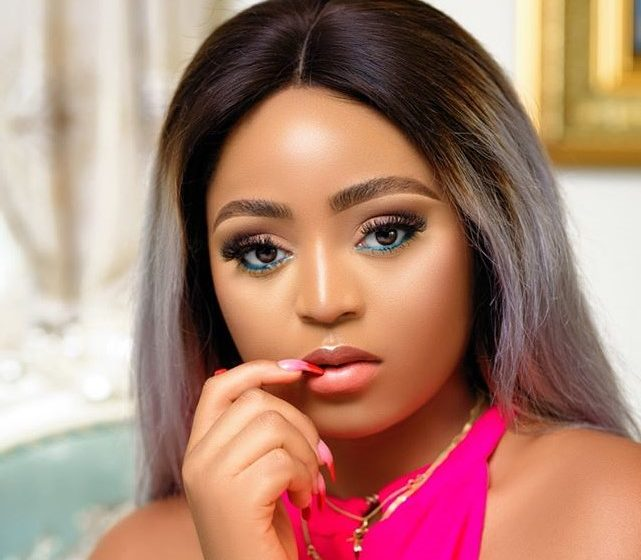 Video of Regina Daniels jamming to Shatta Wale's Gringo springs up
