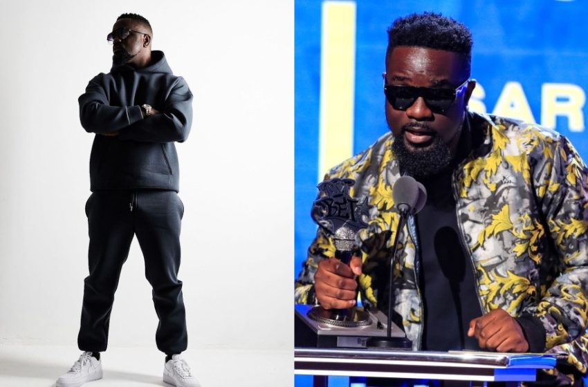 Sarkodie Honored With 7th Global Leadership Service To Humanity Award