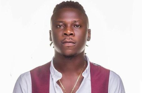 Stonebwoy Gives 'Savage' Reply To A Fan Who Begged Him For Money To Pay His School Fees