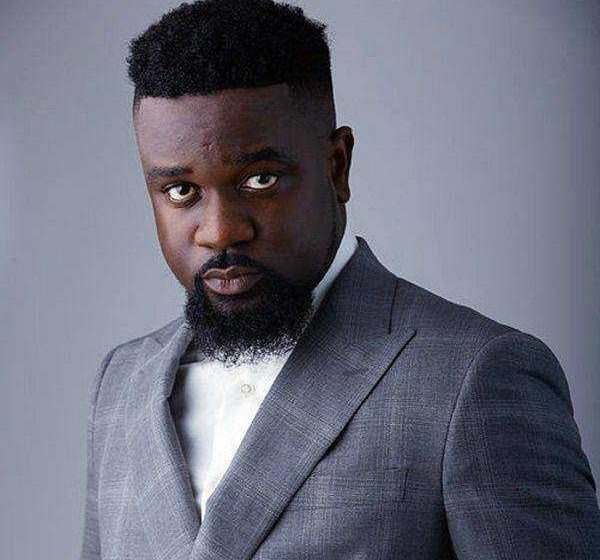 NDC Supporters Threaten To Stop Listening To Sarkodie's Songs After He Endorsed Nana Akufo-Addo