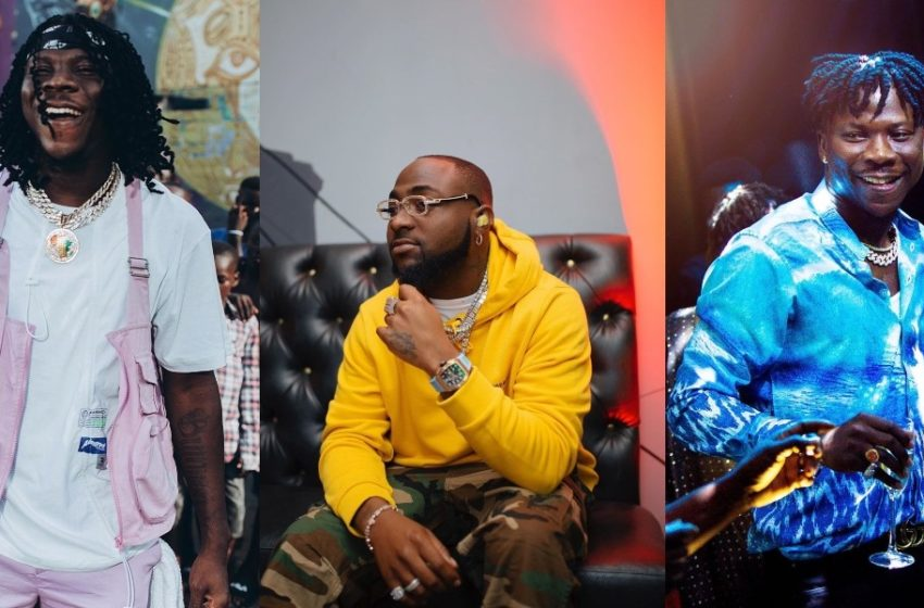 Davido Spotted In Ghana  Chilling With Stonebwoy As They Cook A New Banger (Watch Video)