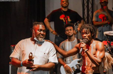 Worlasi Surprises Hammer With An Award And He Is Speechless – See Photos