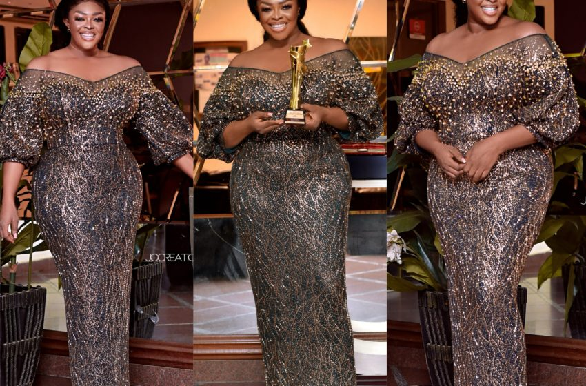 Celebrity Makeup Artist, Minalyntouch Wins Makeup Artist Of The Year At Ghana Arts And Entertainment Awards