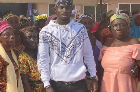 Kuami Eugene Donates To Widows And Orphans In Akim Oda Ahead Of Christmas Festivities