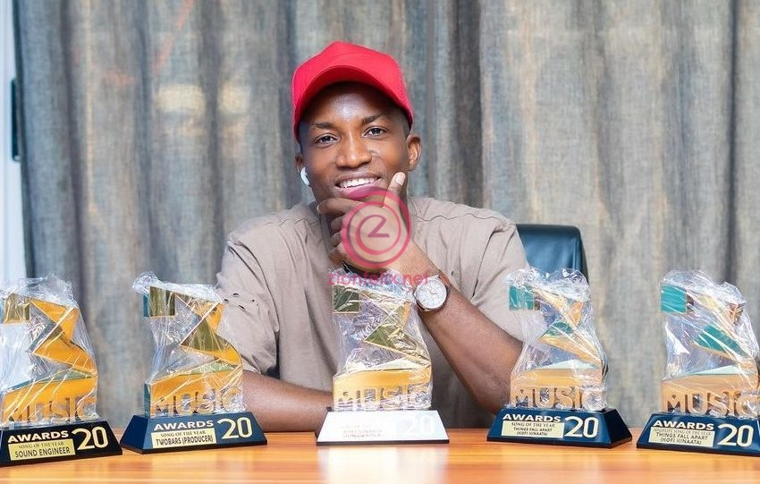 Check Out Kofi Kinaata's Hilarious Reaction After He Received All His Five Plaques From 3Music Awards