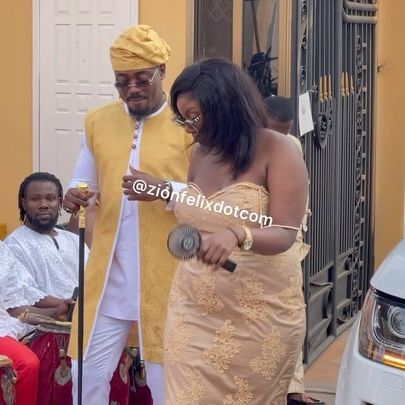 Actor Too Sweet Annan Spotted Grinding 'Heavy' Lady At The Wedding Of Popular Movie Maker (Video)