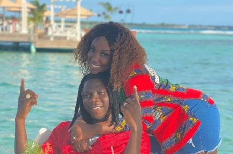 Watch Videos Of Stonebwoy And His Wife, Dr. Louisa Chopping Serious Love In Jamaica
