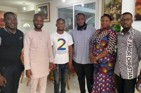 """Yaw Berk And Mother Kneels To Beg Kaywa For Forgiveness As Rev. Danso Abbeam Intervenes To Bring Back """"Father And Son"""""""