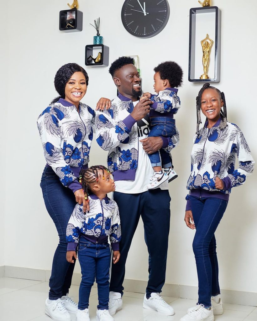 Bismark The Joke's Beautiful Wife And Adorable Kids Spotted Online In Stunning  Family Photo - ZionFelix.net