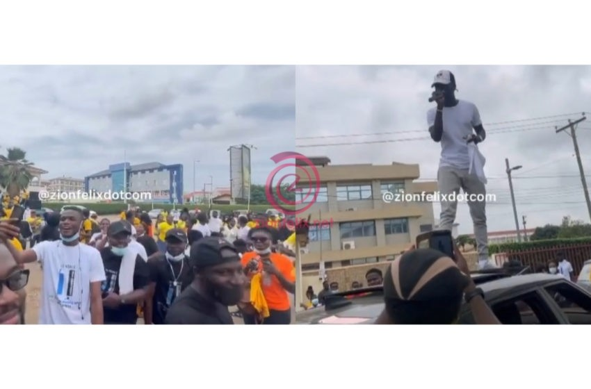 How A Section Of The Christian Fraternity Enjoyed Kwame Yogot And Kuami Eugene's 'Biibi Besi' Song – Video