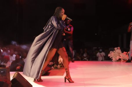 """Gyakie Sells Out Maiden """"Gyakie Live Experience"""" Concert In Kumasi (+Photos)"""