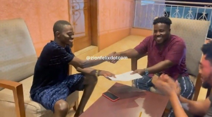 Lilwin Signs Guru's Former Manager, Ray Moni As His New Manager (Watch Exclusive Video)