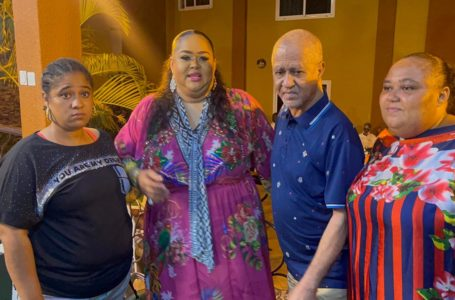 Vivian Jill Shows Off Father And Beautiful Sisters For The First Time At Her Private Birthday Party (+Video)